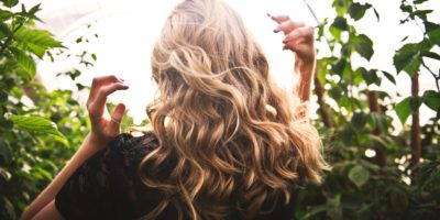 proteger el pelo en verano